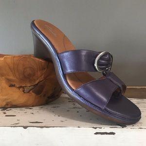 NWOT Woman Clarks Slip On Wedge Sandals Purple 9M